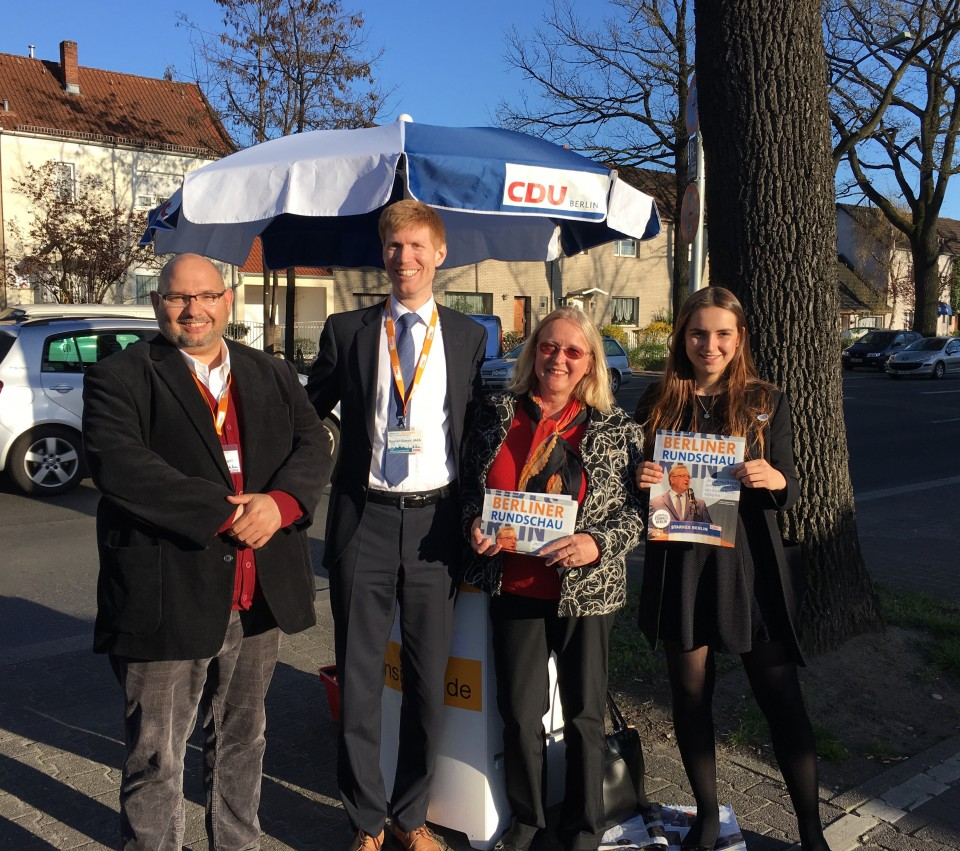 Torsten Engel, Roman Simon MdA, Erna Weimann und Claudia Pawlowski